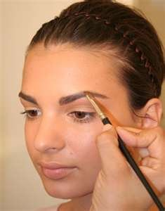 Best Eyebrow Powder – Tips, How to Choose and Apply Eyebrow Powders