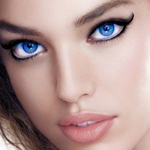 Best Eyeliner for Blue Eyes – What Eye Liners to Use for Blue Eyes