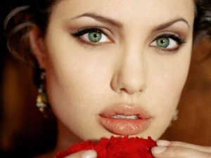Best Eyeshadow for Green eyes –Great Looks with green eyes