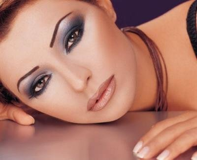 Best Eyeshadow for Hazel Eyes – Colors, Tips, How to Do, Apply and ...