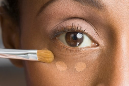 Under Eye Concealer – How to Apply and the Best Under Eye Concealer