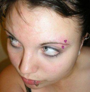 Eyebrow Piercing - Vertical Eyebrow Piercing