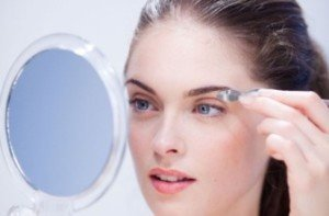 Plucking Eyebrows – How to, Tips and Ways to Reduce Pain when plucking eyebrows